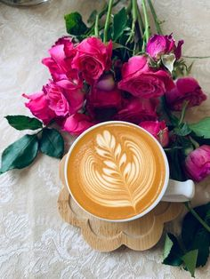 Coffee Flower, Flower Tea, Coffee Art, Coffee Cups, Good Morning Coffee Gif, Cover Photos, Tea Time, Tea Party, Serving Bowls