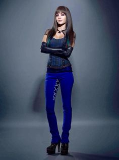 Kenzi from lost girl. Love her clothes and hair. Kenzie Lost Girl, Lost Girl Bo, Girls Series, Tv Series, Cool Girl, Cute Girls, Girls Season 2, Ksenia Solo, Punk Rock Princess