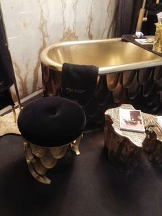DIAMOND #BATHTUB AT @maisonobjet ! YOU HAVE ONE SHOT TO VISIT US, TODAY IS THE LAST DAY! #MO16 #MAISONOBJET #PARIS FIND MORE AT http://www.maisonvalentina.net/