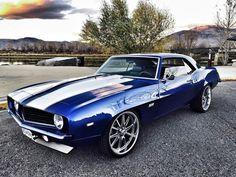 Really slick '69 Camaro...
