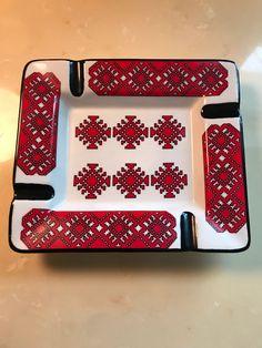 Excited to share the latest addition to my #etsy shop: Vintage Ukrainian Folk Art Ashtray #vintage #collectibles #vintagefolkart #vintageashtray #tobacciana