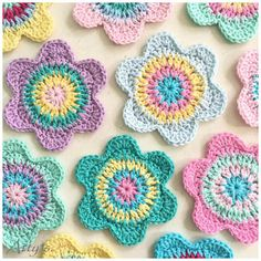 klik hier voor NEDERLANDS Time for a little free pattern! It has been cold and grey outside here in the Netherlands for long enough now. So I think it's a good idea to start making some . Atty*s: Happy Flower Crochet Coasters - free pattern in English and Crochet Motifs, Crochet Dishcloths, Crochet Flower Patterns, Crochet Doilies, Crochet Flowers, Crochet Home, Crochet Crafts, Yarn Crafts, Crochet Projects