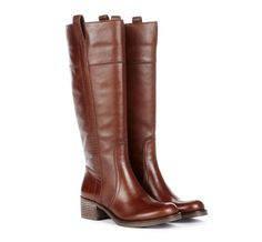 Beautiful Round Toe Leather Boots.