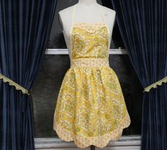 Cute yellow apron :-)