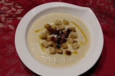 Celery foam soup with croutons Schaum, Yummy Cakes, Celery, Waffles, Oatmeal, Cheesecake, Coconut, Soup, Baking