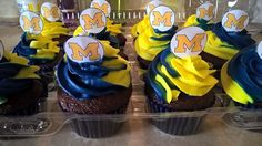 Dive right in to these U-M cupcakes!