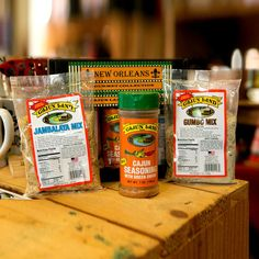 Send a taste of New Orleans with this gourmet gift pack! Your loved one will savor the jambalaya and gumbo, and when those are gone, the Cajun spice will add Louisiana flavor to any dish. Jambalaya Mi