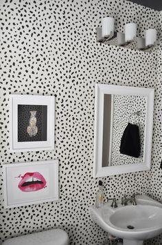 trendy bathroom art above toilet wall colors Bathroom Windows In Shower, Window In Shower, Bathroom Art, Bathroom Ideas, Beach Theme Shower Curtain, Pink Shower Curtains, Wallpaper Accent Wall Bathroom, Powder Room Wallpaper, Cheetah Print Wallpaper