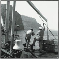 ΣΑΝΤΟΡΙΝΗ 1955. Ελιγμοί στο λιμάνι των Φηρώ Πηγή: www.lifo.gr