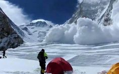 Death toll rises in Everest avalanche