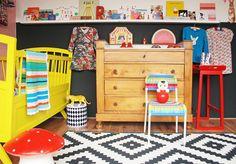 Porte cadres et livres pour chambre enfant