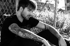 Adam Lambert Is Releasing A New Single This Month
