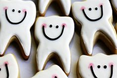 A creative way to work in dentistry before you have your dental hygiene license Shaped Cookie, Cookie Bars, Tooth Cake, Teeth Shape, Cookie Designs, Cookie Exchange, Tooth Fairy, Pretty Cakes, Dentistry