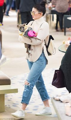Kylie Jenner and her entourage go on a shopping spree with her pampered pooches | Daily Mail Online