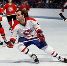 This day in hockey history: February 1977 - Guy Lafleur scores his point of the season (for the straight year) with an assist as the Canadiens extended their team-record home undefeated streak to 25 straight games with a win over the Cleveland Barons Ice Hockey Players, Ice Hockey Teams, Nhl Players, Montreal Canadiens, Quebec Nordiques, Hockey Pictures, Hockey Boards, Detroit Sports, Nhl Games