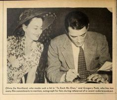 Olivia de Havilland and Gregory Peck Hollywood Photo, Old Hollywood Stars, Golden Age Of Hollywood, Classic Hollywood, Gregory Peck, Olivia De Havilland, Classic Movie Stars, Oscar Winners, Film Movie