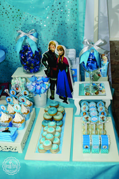 Frozen birthday party! See more party ideas at CatchMyParty.com!
