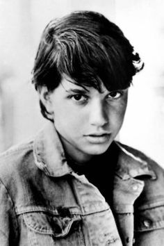 Can someone help me with two body paragraphs on Johnny Cade from the Outsiders, By S.e Hinton?