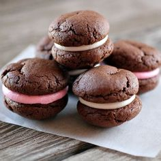 peppermint-filled chocolate sandwich cookies