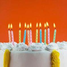 • 91 Frases de cumpleaños para felicitar a las personas que más quieres. Good Afternoon, Birthday Candles, Happy Birthday, Apps, Mary, Quotes, Poet, Birthday Congratulations, Happy Brithday