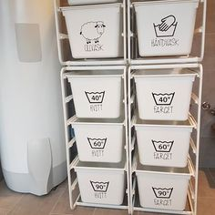 Tips og triks for små bad & mano-arbeiderne Under Sink Organization, Home Organization, Organizing, Inset Fireplace, Hanging Canvas, Laundry Room Storage, Shower Screen, Rubber Flooring, Küchen Design