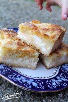 Lusta asszony túrós lepénye Hungarian Recipes, Hungarian Food, My Recipes, Favorite Recipes, Cornbread, French Toast, Cheese, Baking, Breakfast