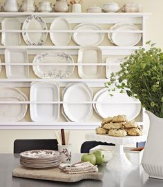 7 Ways to Declutter Your Antiques Pile Plate racks can hold platters, too. Plate Racks In Kitchen, Fixer Upper Style, White Dishes, White Plates, Red Plates, French Country Cottage, Country Living, Kitchen Country, Dining Room