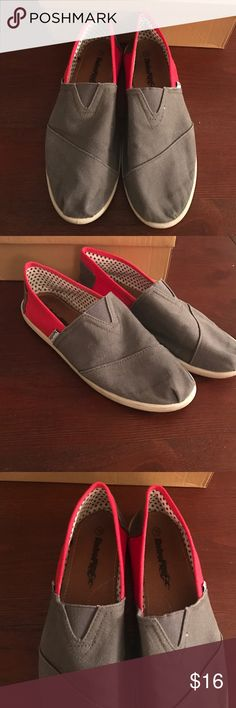 Canvas Slip On Shoes Grey and red canvas slip on shoes in very good condition. Size 10 Shoes Flats & Loafers