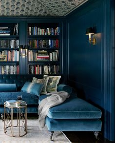 Hague Blue, Farrow & Ball 29 Best Blue Paint Colors - Great Shades of Blue Paint to Decorate With Best Blue Paint Colors, Blue Green Paints, Color Blue, Moustiers Sainte Marie, Oval Room Blue, Dark Blue Walls, Dark Blue Lounge, Dark Blue Rooms, Dark Living Rooms