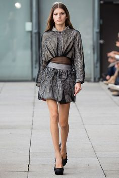 Spring 2015 Ready-to-Wear - Iris van Herpen