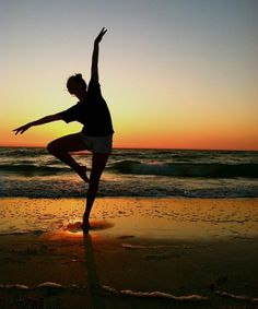 16 Ideas for photography dance poses beaches pictures poses photo shoots 16 Ideas for photography dance poses beaches Dance Picture Poses, Dance Photo Shoot, Dance Poses, Dance Pictures, Beach Pictures, Yoga Poses, Summer Pictures, Dance Photography Poses, Summer Photography