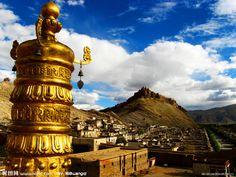 Lhasa ist das Zentrum von der tibetischen Region und bietet viel sehenswertes an.