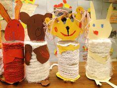 ASKARTELU - Päästä lintu lentoon - Vuodatus.net Diy Upcycling, Textile Fabrics, Gingerbread Cookies, Elementary Schools, Diy And Crafts, Kindergarten, Kids, Noel, Cardboard Paper