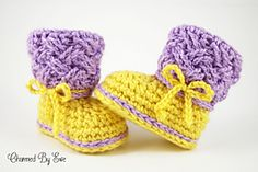Aislinn Celtic Dream Baby Boots ~ crocheted baby boots by Janaya Chouinard ~ paid pattern on Ravelry