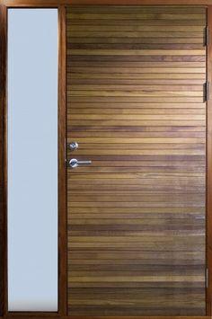 Resö, håndlagede dører i teak med innebygd sidelys   Bovalls dörrbyggeri