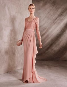 Mermaid maid-of-honour dress in georgette and lace