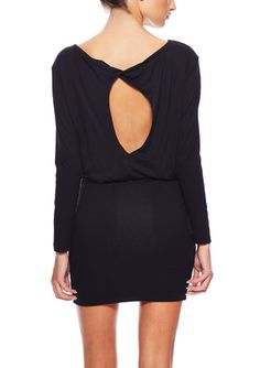 La Class - black long sleeve solid dress with twist keyhole
