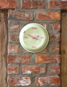 Tick-tock enamel plate