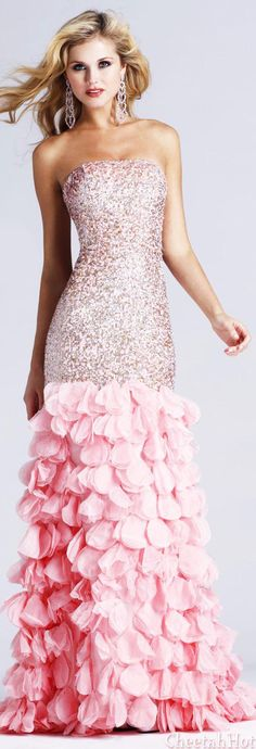SHERRI HILL - Authentic Designer - Stunning Strawberry Gown
