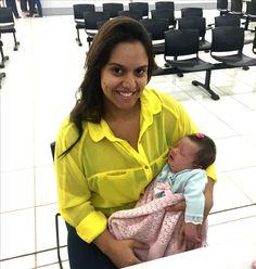 Maria Clara, de apenas 8 dias, esteve no Poupatempo Sertãozinho com sua mãe Ana Paula para tirar o primeiro RG. A certidão já trazia o número do CPF, que foi incluído na Carteira de Identidade.