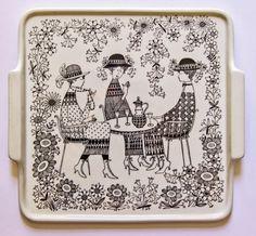 Emilia by Raija Uosikkinen for Arabia Finland - photograph Ray Garrod Ceramic Plates, Ceramic Pottery, Square Tray, Square Plates, Large Plates, Pottery Designs, China Painting, Elegant Homes, Finland