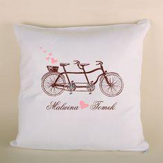 Poduszka z rowerem to doskonały prezent dla bliskiej osoby.