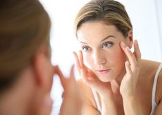 Taking care of your skin is the best way to maintain your youth. Check out these 5 natural anti aging skin care tips. Check out these 5 natural anti-aging skin care tips that can help you get back (or maintain) healthy, beautiful, youthful-looking skin! Anti Aging Tips, Best Anti Aging, Anti Aging Skin Care, Creme Anti Age, Anti Aging Cream, Organic Skin Care, Natural Skin Care, Natural Beauty, Organic Oil