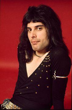 Queen Freddie Mercury, Freddie Mercury Quotes, Freddie Mercury Tattoo, Adam Lambert, Brian May, John Deacon, Funny Videos, Michael Jackson, Rock Bands