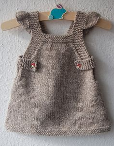 Summer Into Fall pinafore dress – knitting pattern – Knitting Patterns at Makeri… – Baby knitting patterns Baby Knitting Patterns, Baby Patterns, Crochet Patterns, Ravelry Free Knitting Patterns, Knitting Tutorials, Fall Knitting, Knitting For Kids, Cute Aprons, How To Make Shorts