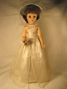 1950's vintage bride doll//i have this doll.  i thought i was given it in the 60's but i thought wrong.