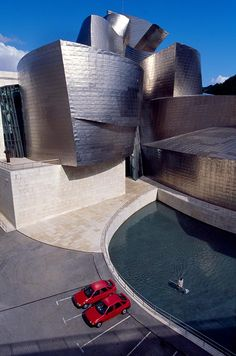 Guggenheim, Bilbao, Spain Constructed with a steel frame covered with titanium sheathing