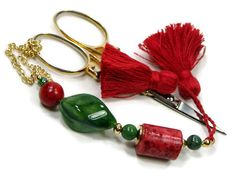 Beaded Scissor Fob Red Forest Green Quilting Sewing by TJBdesigns     Great Christmas gift for someone who sews.