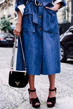 ea9ccdeedf Фотография European Street Style, Viva Luxury, Luxury Blog, Velvet Shoes,  Denim Coat