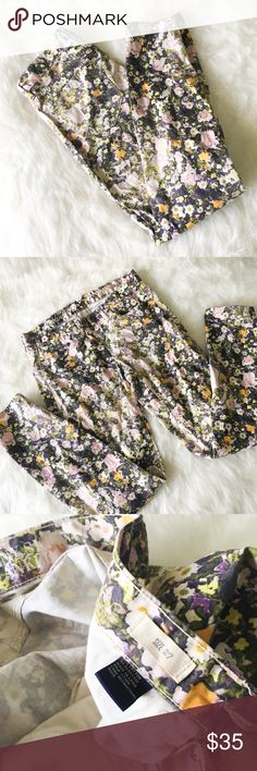 Madewell Skinny Skinny Ankle Jeans in Sungarden Gorgeous floral skinny jeans from Madewell. Size 27, true to size. Good pre-loved condition, fabric shows fading. No damage and no stains. Tons of life left in the beautiful pants!!  --------------- Our super slim and superstretchy fit, flatteringly cropped at the ankle—and covered in photo-floral print (inspired by an actual vintage photograph). Sit at hips. Fitted through hip and thigh, with a slim leg. Madewell Pants Skinny